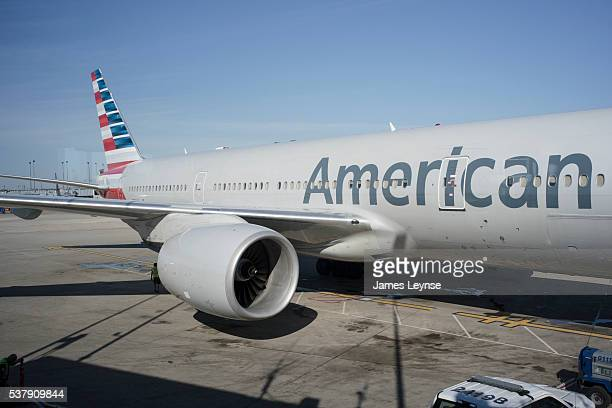 american airlines - o'hare airport - アメリカン航空 ストックフォトと画像