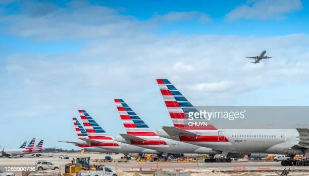 american airlines - american airlines stock-fotos und bilder