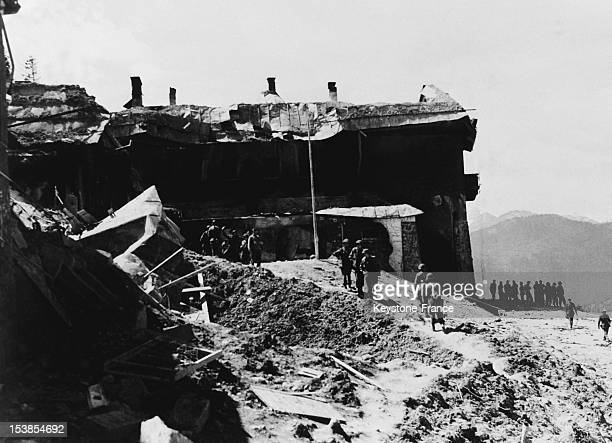 American and French troops in the Berghof Adolf Hitler's ruined mountain house aka 'The Eagle's Nest in the Bavarian Alps on April 1945 in...