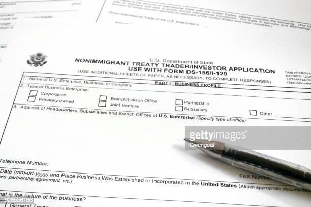 Formulário de pedido americano de comerciante de Tratado de não-imigrante - investidor