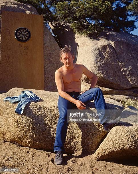 American artist Edward Ruscha outside his house, California, June 1985 .