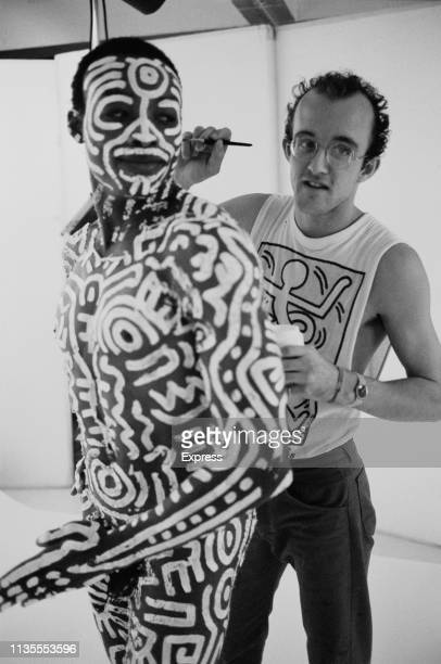 American artist Keith Haring body painting American choreographer director author and dancer Bill T Jones before a photo shoot with American artist...
