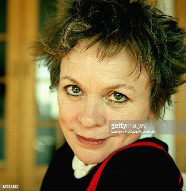 Photo of Laurie ANDERSON Lauire Anderson in her studio in New York