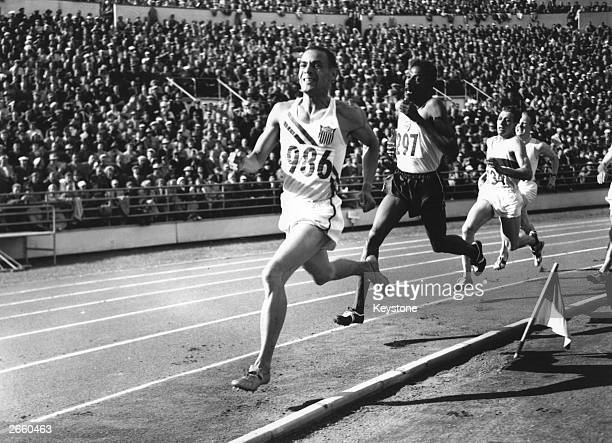 American athlete Malvin Whitfield on his way to winning the 800 metres final at the 1952 Helsinki Olympics