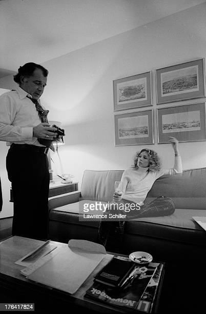 American attorney F Lee Bailey and his wife Lynda Hart relax in their room at the Stanford Court hotel San Francisco California 1976 At the time...