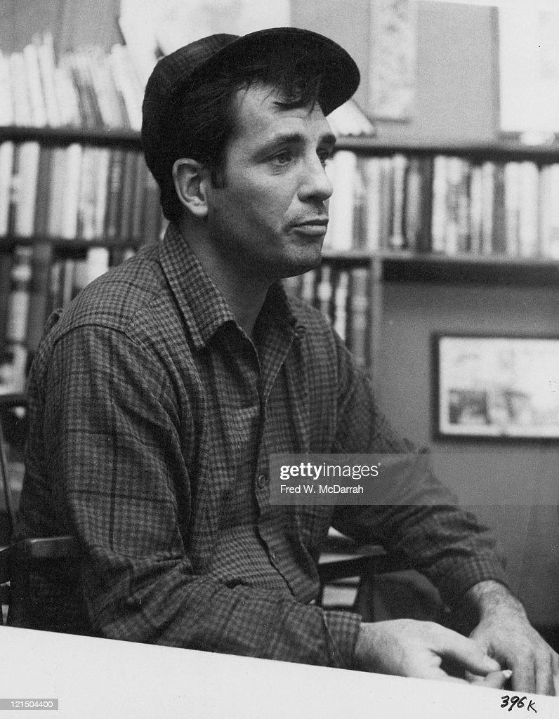 Kerouac At McDarrah's Apartment : News Photo