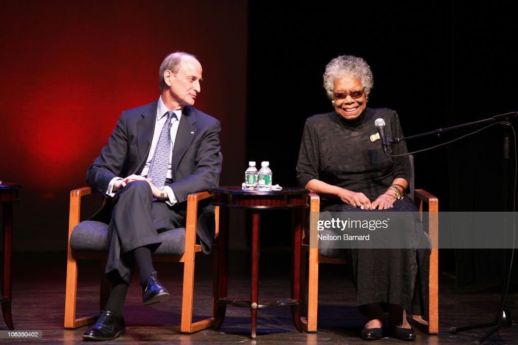 Maya Angelou Visits The Schomburg Center For Research In Black Culture