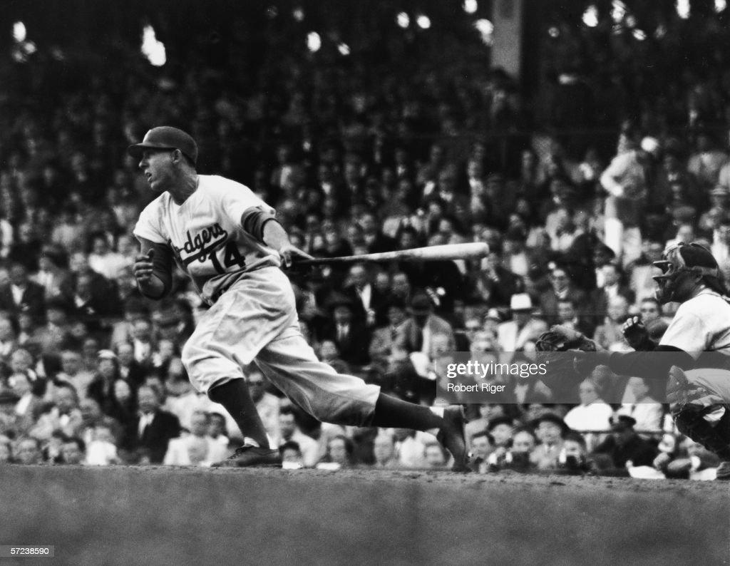 Gil Hodges At Bat : News Photo