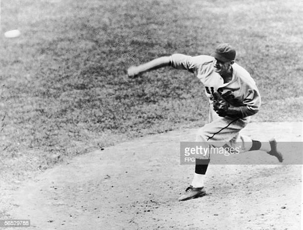 American baseball player Lon Warneke of the Chicago Cubs pitches a strike in the 5th inning of the first game of the World Series against the Detroit...