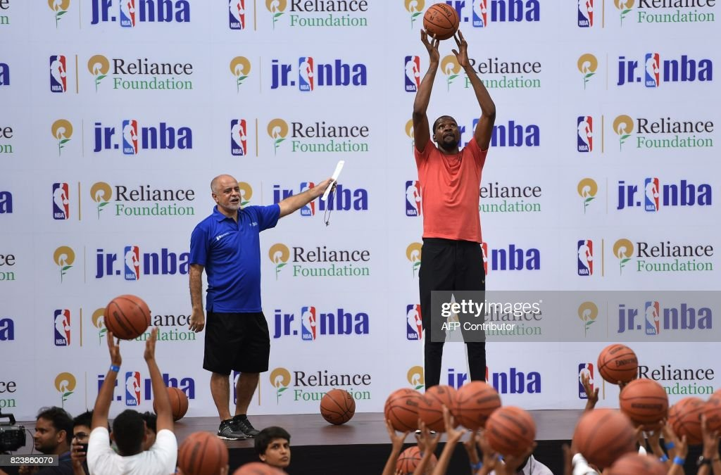 BASKETBALL-INDIA-KEVIN-DURANT : News Photo