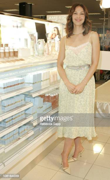 American Beauty spokesperson Ashley Judd unveiling the new beauty department at Kohl's