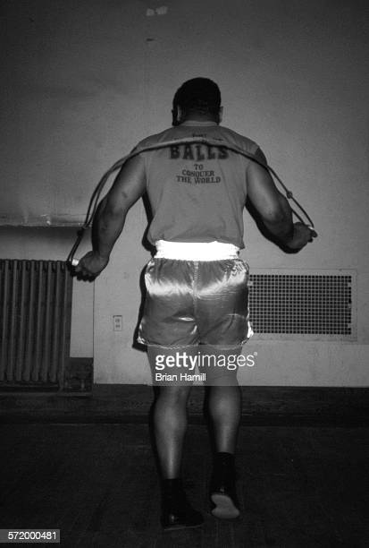 American boxer Mike Tyson jumps rope while training New York April 1987