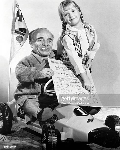 American child actress Kim Richards points to her signature on a birthday card for American actor Angelo Rossitto circa 1970 Two foot eleveninch tall...