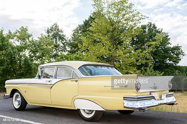 american classic car, 1957 ford fairlane 500 - 1957 stock pictures, royalty-free photos & images