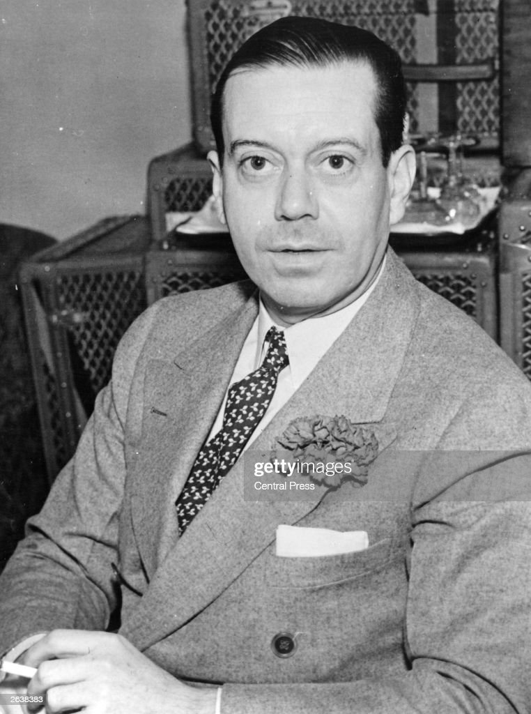 American Cole Porter (1891 - 1964), one of the outstanding composers and lyricists of 20th century musical theatre.