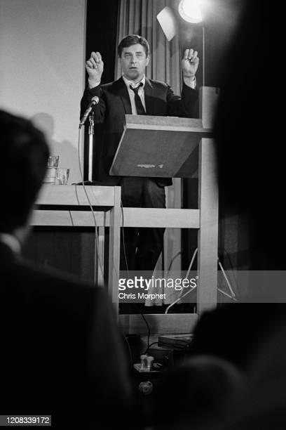 American comedian, actor, singer, filmmaker and humanitarian Jerry Lewis giving a speech at the Royal College of Art, London, UK, circa 1960.