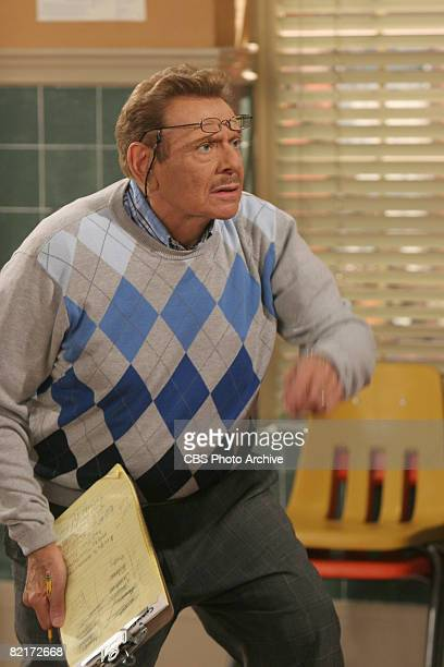 American comedian and actor Jerry Stiller as Arthur Spooner in a scene from the television comedy 'The King of Queens' entitled 'Vocal Discord' Los...