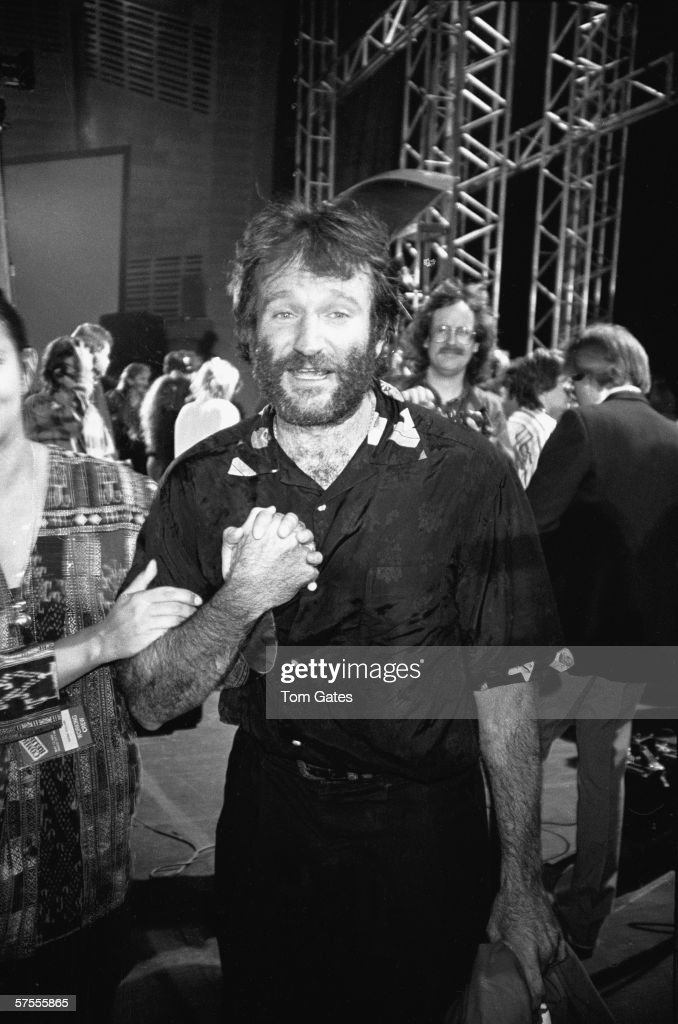 Robin Williams At Comic Relief IV : News Photo
