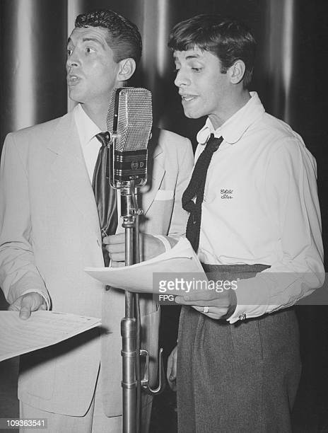 American comedy team Dean Martin and Jerry Lewis circa 1947