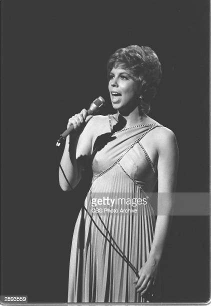 American comic actor and singer Vicki Lawrence sings on stage during a taping of the television comedy variety series 'The Carol Burnett Show' Sydney...