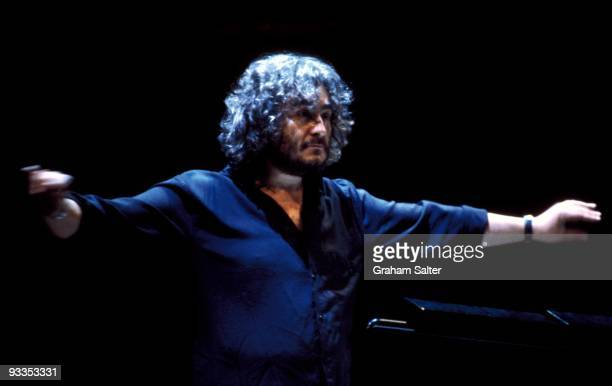 American composer Michael Kamen conducts in 2000 in London MusicBrainz adcc6c980bf14d5484aa2249cf5e46bf