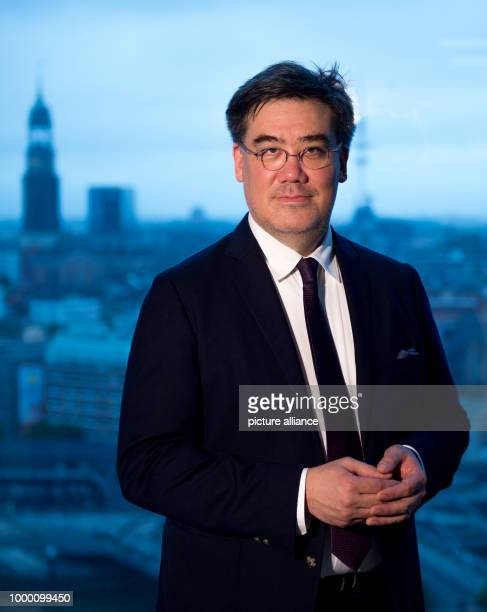 American conductor Alan Gilbert at a press conference in the Elbphilharmonie in Hamburg Germany 23 June 2017 Gilbert has been named as the new...