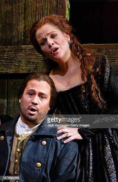 American countertenor David Daniels and soprano Renee Fleming perform during the final dress rehearsal before the premiere of the Metropolitan...