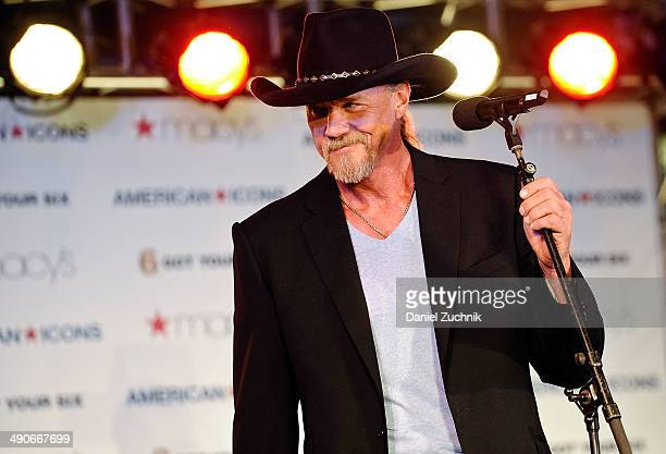 American Country Music Artist Trace Adkins performs at the Macy's American Icons launch at Macy's Herald Square on May 14 2014 in New York City