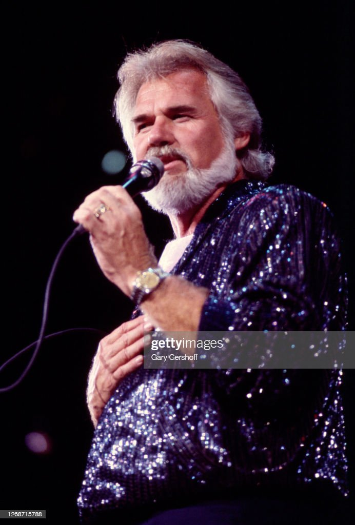 Kenny Rogers Performs At Nassau Coliseum : News Photo