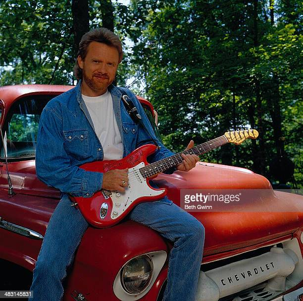 American country singer Lee Roy Parnell circa 19901995