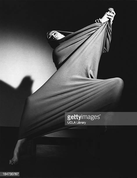 American dancer and choreographer Martha Graham performs 'Lamentation' 1935