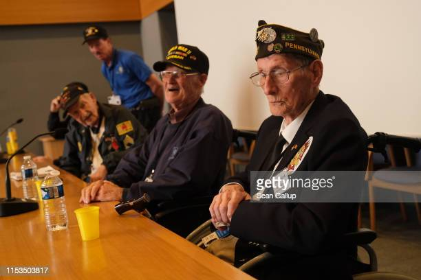 American DDay veterans including Walter Hurd who served in the 82nd Airborne Division Harold Stephens who served in the 1st Army 246 Signal...
