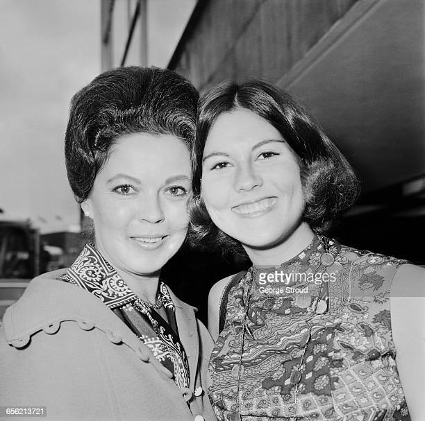 American diplomat and former child actress Shirley Temple with her daughter Susan at London Airport UK 20th July 1971 Susan's father is John Agar of...