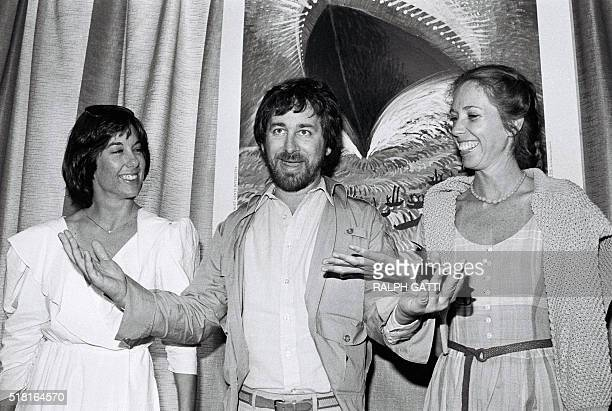 American director Steven Spielberg poses with productor Kathleen Kennedy and screenwriter Melissa Mathison at the 35th Cannes Film Festival during a...