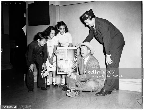 American Education Week at Patriotic Hall 15 November 1951 Arnold Parath 10 yearsMarion Shapiro 10 yearsEsther Ellenbogen 11 yearsActor Chill Wills...