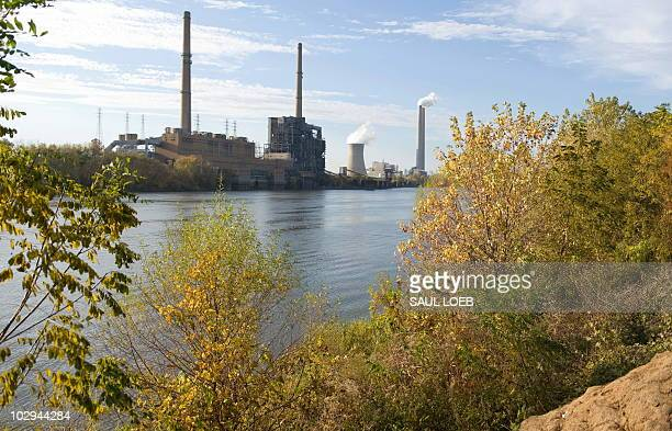 American Electric Power's Mountaineer coal power plant in New Haven West Virginia is seen from across the Ohio River in Racine Ohio October 30 2009...