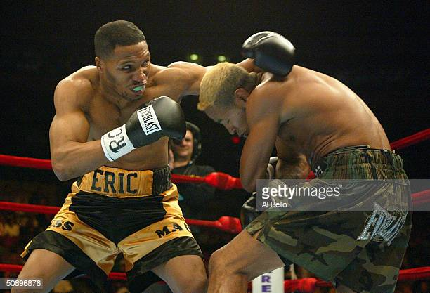 American Eric Mitchell punches Nicaraguan Ricardo Mayorga during their Super Welterweight division fight at Madison Square Garden on April 17, 2004...