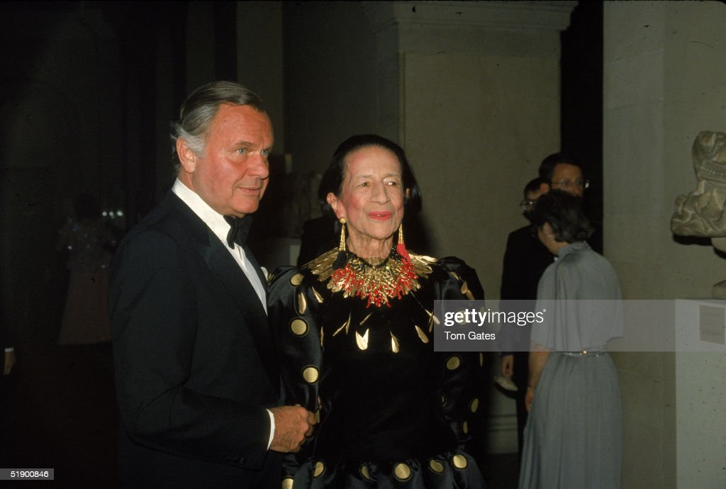 Blass & Vreeland At The Met : News Photo