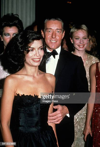 American fashion designer, Halston with Bianca Jagger at the Metropolitan Museum of Art's Costume Institute Gala, New York City, 7th December 1981.