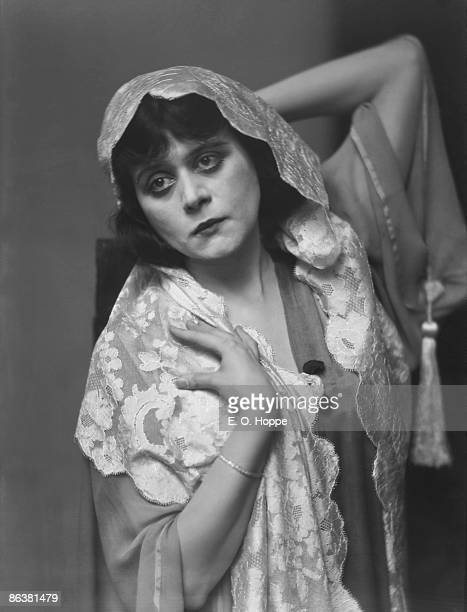 American film and stage actress Theda Bara nicknamed 'The Vamp' 1920