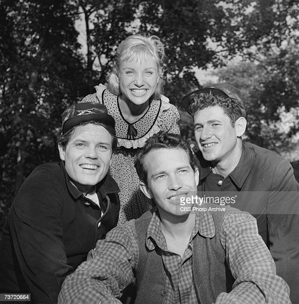 American film and television actors Jack Lord Susan Oliver Warren Oates and Gerald Sarracini pose together for the episode 'A Day Before Battle' of...