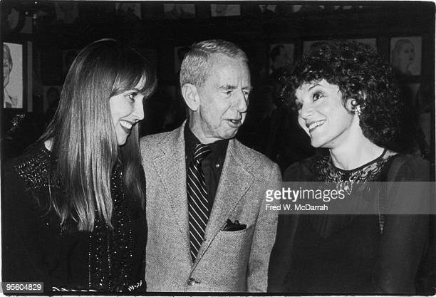 American film critic Vincent Canby speaks with fellow critic Janet Maslin at New York Film Critics Circle Awards held at Sardi's restaurant New York...