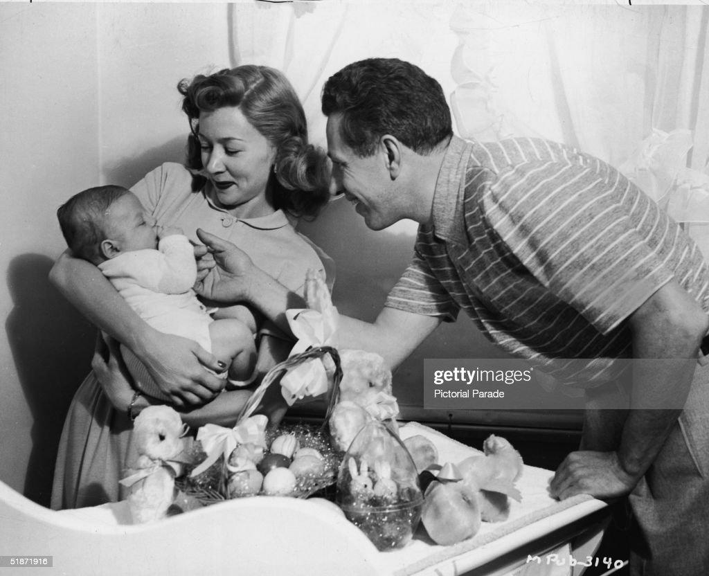 Nicholas Ray & Gloria Grahame With Son Timothy : News Photo