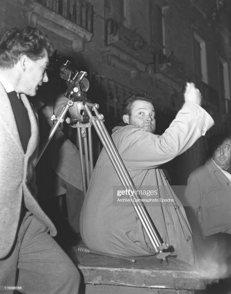 Directing The Shooting : News Photo