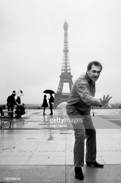 American film director Sydney Pollack sets up a scene from his film 'Sabrina' on Esplanade of Human Rights at the Palais de Chaillot Paris France...