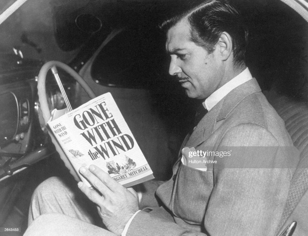 Clark Gable Reading : News Photo