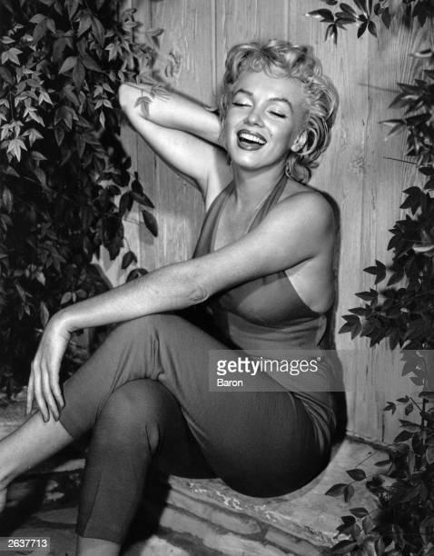 American film star Marilyn Monroe in Palm Springs Original Publication People Disc HW0699