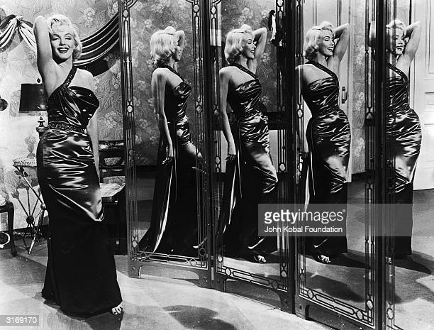 American film star Marilyn Monroe stars as golddigging model Pola Debevoise in 'How to Marry a Millionaire' directed by Jean Negulesco