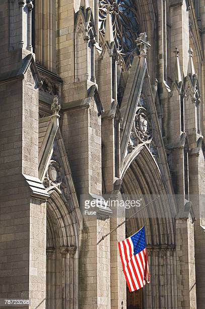 american flag and st. patrick's cathedral - ニューヨーク郡 ストックフォトと画像