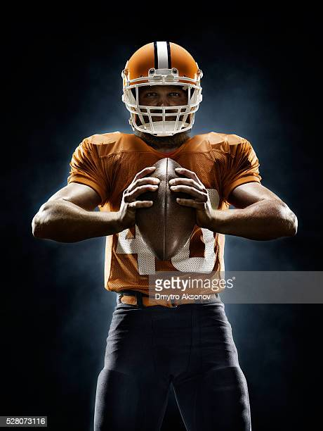 american football player - football player stock pictures, royalty-free photos & images